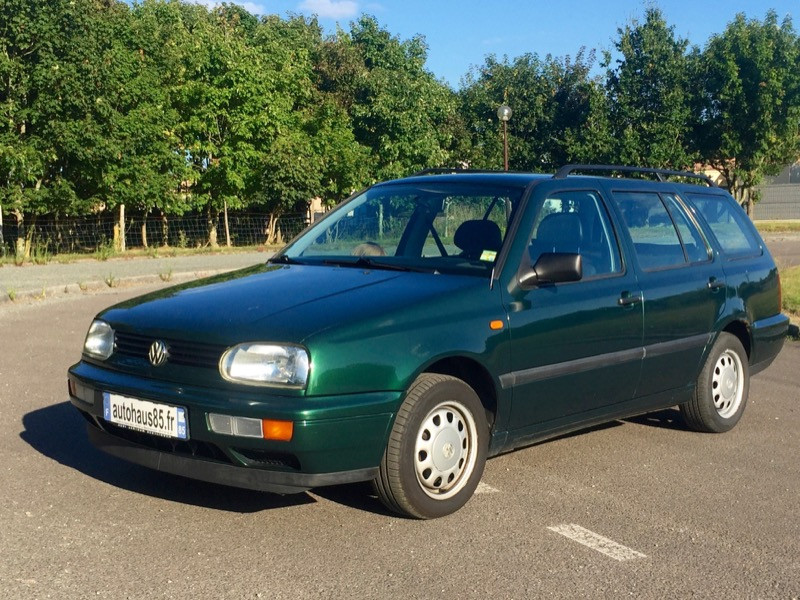 VENDU : VW Golf VARIANT 1.8 BREAK – 1999