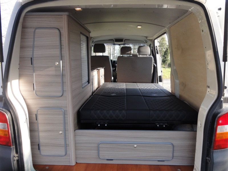 vendu vw transporter t5 1 9 tdi clim 12 2007 am nag. Black Bedroom Furniture Sets. Home Design Ideas